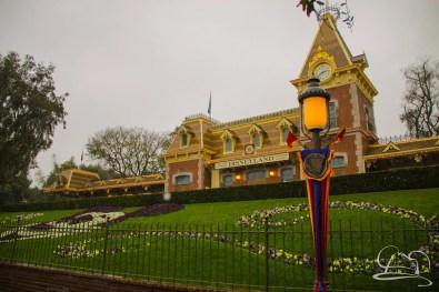 DisneylandResortRainyDay-2