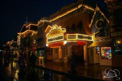 DisneylandResortRainyDay-215