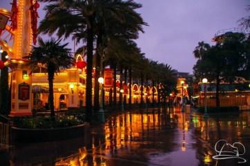 DisneylandResortRainyDay-80