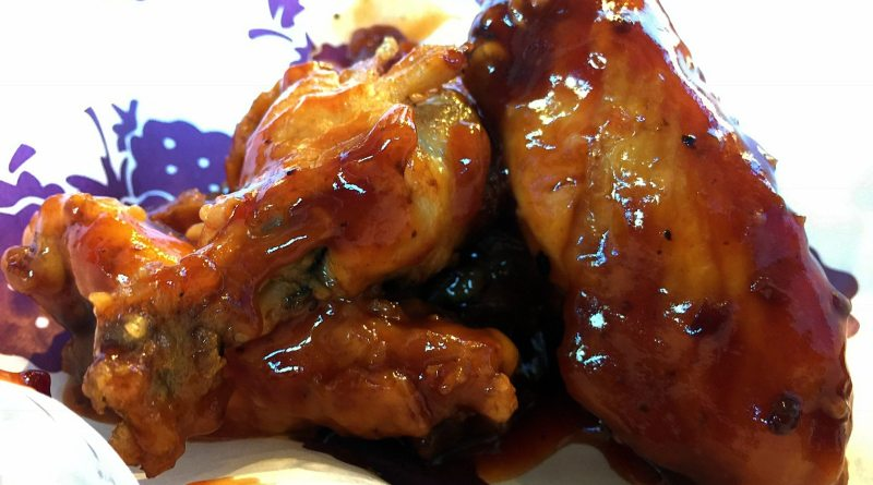 Knott's Berry Farm Boysenberry Festival - Boysenberry Buffalo Wings