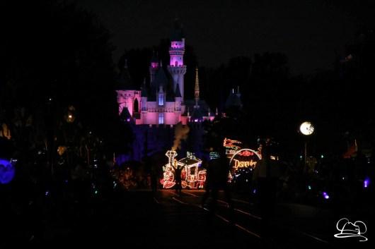 DisneylandMainStreetElectricalParade_45thAnniversary-1