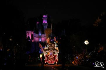 DisneylandMainStreetElectricalParade_45thAnniversary-5