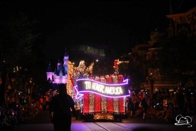 DisneylandMainStreetElectricalParade_45thAnniversary-70