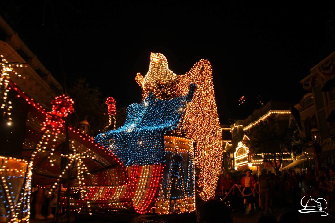DisneylandMainStreetElectricalParade_45thAnniversary-78