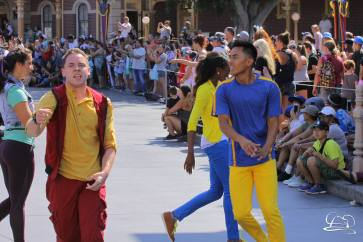 Disney_Descendants_Disneyland_Pre_Parade-16