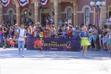 Disney_Descendants_Disneyland_Pre_Parade-2