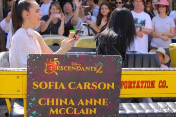 Disney_Descendants_Disneyland_Pre_Parade-28