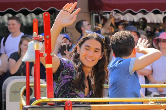 Disney_Descendants_Disneyland_Pre_Parade-44