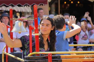 Disney_Descendants_Disneyland_Pre_Parade-46
