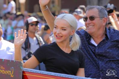 Disney_Descendants_Disneyland_Pre_Parade-54