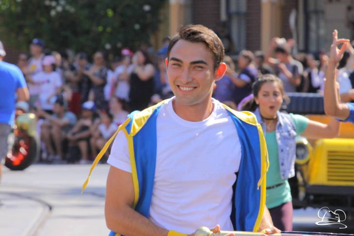 Disney_Descendants_Disneyland_Pre_Parade-9