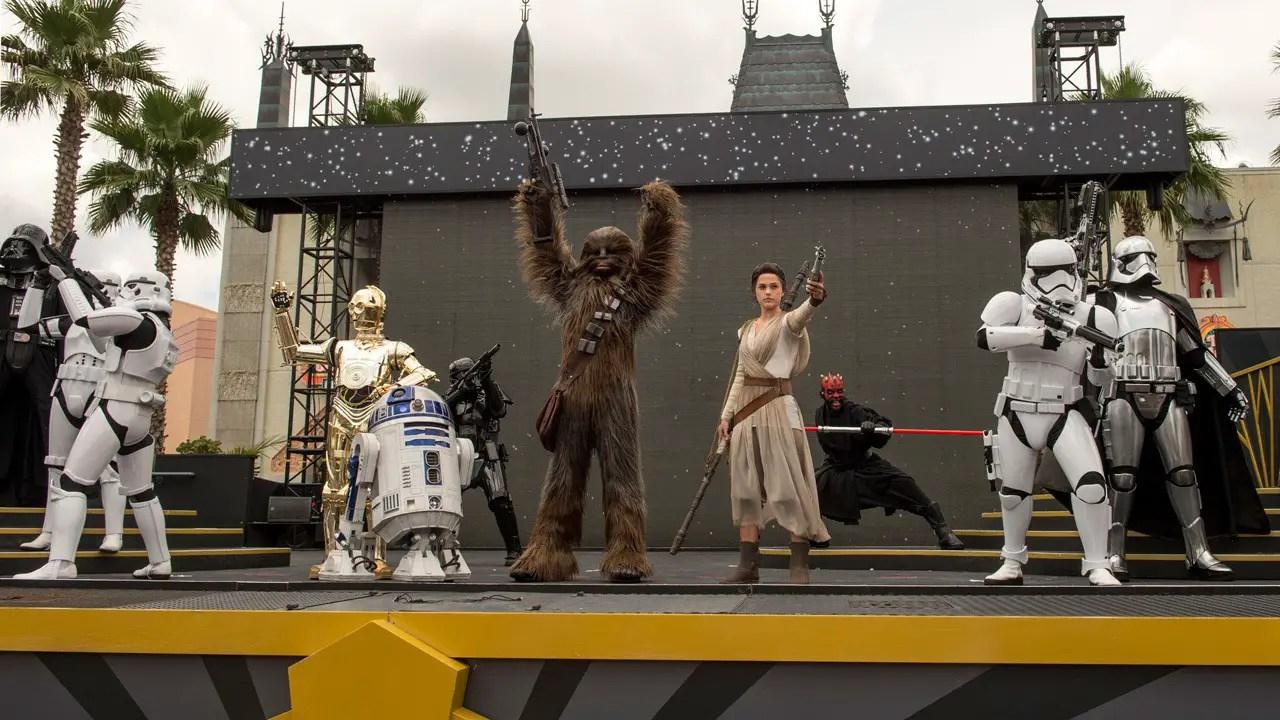 Rey - Star Wars: A Galaxy Far, Far Away - Disney's Hollywood Studios
