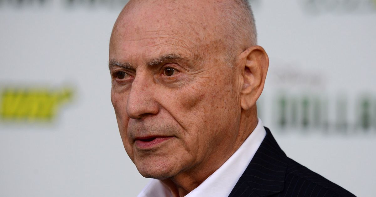 Alan Arkin Joins Cast of Tim Burton's Live-Action Dumbo
