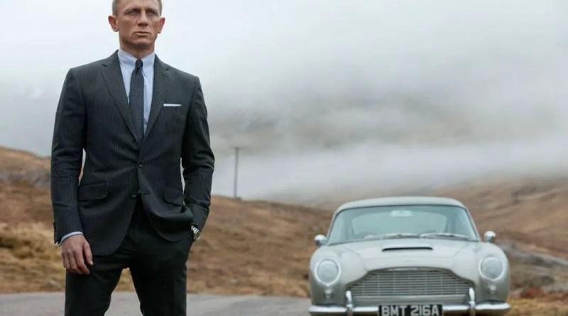 Daniel Craig Returns as James Bond