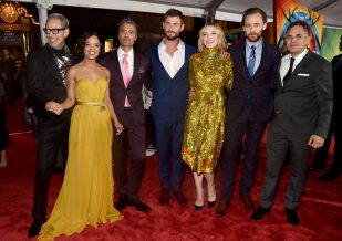 """HOLLYWOOD, CA - OCTOBER 10: (L-R) Actors Jeff Goldblum, Tessa Thompson, Director Taika Waititi, actors Chris Hemsworth, Cate Blanchett, Tom Hiddleston and Mark Ruffalo at The World Premiere of Marvel Studios' """"Thor: Ragnarok"""" at the El Capitan Theatre on October 10, 2017 in Hollywood, California. (Photo by Alberto E. Rodriguez/Getty Images for Disney) *** Local Caption *** Jeff Goldblum; Tessa Thompson; Taika Waititi; Chris Hemsworth; Cate Blanchett; Tom Hiddleston; Mark Ruffalo"""