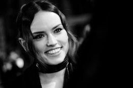 LONDON, UK DECEMBER 12: Daisy Ridley attends the European Premiere of Star Wars: The Last Jedi in the presence of HRH Duke of Cambridge and HRH Prince Harry at the Royal Albert Hall in London, UK on Tuesday 12th December 2017. *** Local Caption *** Daisy Ridley