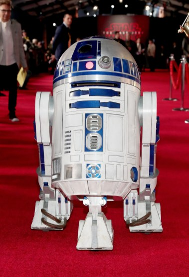 LOS ANGELES, CA - DECEMBER 09: R2-D2 at Star Wars: The Last Jedi Premiere at The Shrine Auditorium on December 9, 2017 in Los Angeles, California. (Photo by Rich Polk/Getty Images for Disney) *** Local Caption *** R2-D2