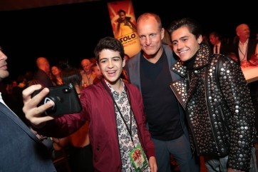 """Joshua Rush, Woody Harrelson and Isaak Presley pose for a selfie during the after party at the world premiere of """"Solo: A Star Wars Story"""" in Hollywood on May 10, 2018. (Photo: Alex J. Berliner/ABImages)"""