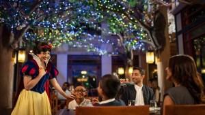 Snow White at Artist Point Disney's Wilderness Lodge