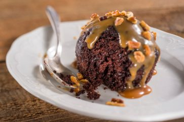 FG_ChocolateCakeCaramel_Chocolate-Cake-with-Caramel-0517ZU_0246MS