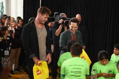 ANAHEIM, CA - APRIL 05: Chris Hemsworth (L) and Paul Rudd attend Avengers Universe Unites, a charity event to celebrate the donation of more than $5 million in cash and toys to nonprofits supporting children with critical illnesses, at Disney California Adventure Park on April 5, 2019 in Anaheim, California. (Photo by Joe Scarnici/Getty Images for Disney) *** Local Caption *** Paul Rudd; Chris Hemsworth