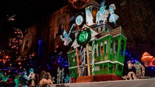 2019 Haunted Mansion Holiday Gingerbread House
