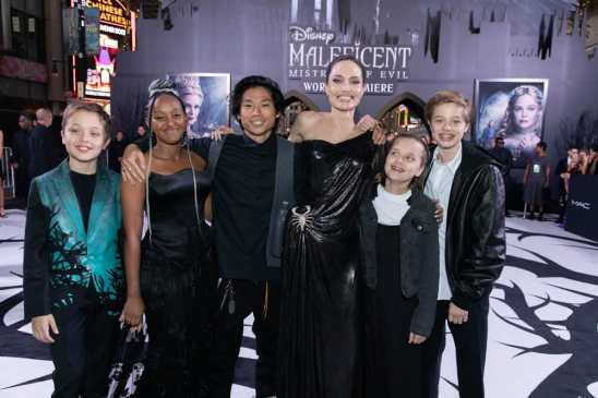 Knox Jolie-Pitt, Zahara Jolie-Pitt, Pax Jolie-Pitt, Angelina Jolie, Vivienne Jolie-Pitt and Shiloh Jolie-Pitt attend the World Premiere of DisneyÕs ÒMaleficent: Mistress of EvilÓ at the El Capitan Theatre in Hollywood, CA on September 30, 2019 .(photo: Alex J. Berliner/ABImages)