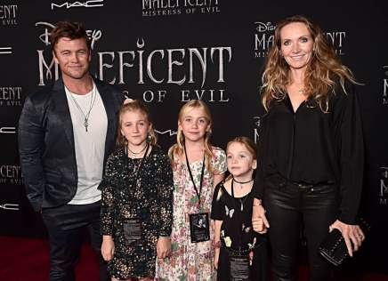 """HOLLYWOOD, CALIFORNIA - SEPTEMBER 30: (L-R) Luke Hemsworth, Ella Hemsworth, Holly Hemsworth, Harper Rose Hemsworth, and Samantha Hemsworth attend the World Premiere of Disney's """"Maleficent: Mistress of Evil"""" at the El Capitan Theatre on September 30, 2019 in Hollywood, California. (Photo by Alberto E. Rodriguez/Getty Images for Disney)"""