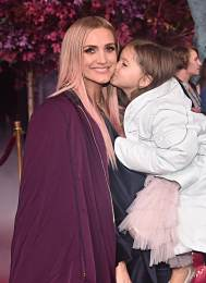 "HOLLYWOOD, CALIFORNIA - NOVEMBER 07: (L-R) Ashlee Simpson and Jagger Snow Ross attend the world premiere of Disney's ""Frozen 2"" at Hollywood's Dolby Theatre on Thursday, November 7, 2019 in Hollywood, California. (Photo by Alberto E. Rodriguez/Getty Images for Disney)"