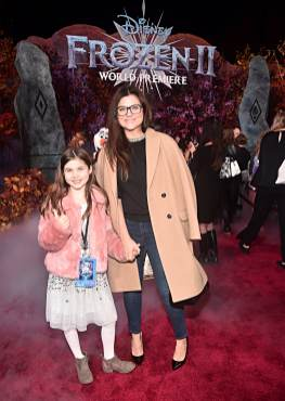 """HOLLYWOOD, CALIFORNIA - NOVEMBER 07: (L-R) Harper Renn Smith and Tiffani Thiessen attend the world premiere of Disney's """"Frozen 2"""" at Hollywood's Dolby Theatre on Thursday, November 7, 2019 in Hollywood, California. (Photo by Alberto E. Rodriguez/Getty Images for Disney)"""