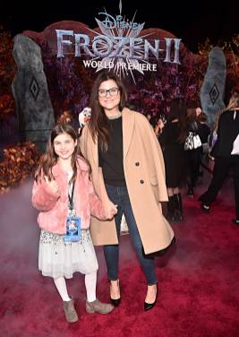 "HOLLYWOOD, CALIFORNIA - NOVEMBER 07: (L-R) Harper Renn Smith and Tiffani Thiessen attend the world premiere of Disney's ""Frozen 2"" at Hollywood's Dolby Theatre on Thursday, November 7, 2019 in Hollywood, California. (Photo by Alberto E. Rodriguez/Getty Images for Disney)"