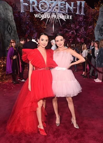 """HOLLYWOOD, CALIFORNIA - NOVEMBER 07: (L-R) Veronica Merrell and Vanessa Merrell attend the world premiere of Disney's """"Frozen 2"""" at Hollywood's Dolby Theatre on Thursday, November 7, 2019 in Hollywood, California. (Photo by Alberto E. Rodriguez/Getty Images for Disney)"""