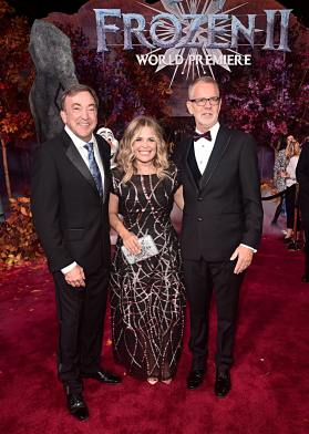 """HOLLYWOOD, CALIFORNIA - NOVEMBER 07: (L-R) Producer Peter Del Vecho, Director/writer/Walt Disney Animation Studios CCO Jennifer Lee, and Director Chris Buck attend the world premiere of Disney's """"Frozen 2"""" at Hollywood's Dolby Theatre on Thursday, November 7, 2019 in Hollywood, California. (Photo by Alberto E. Rodriguez/Getty Images for Disney)"""