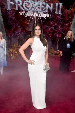 """HOLLYWOOD, CALIFORNIA - NOVEMBER 07: Actor Idina Menzel attends the world premiere of Disney's """"Frozen 2"""" at Hollywood's Dolby Theatre on Thursday, November 7, 2019 in Hollywood, California. (Photo by Alberto E. Rodriguez/Getty Images for Disney)"""