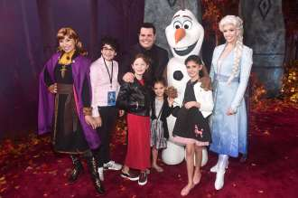 "HOLLYWOOD, CALIFORNIA - NOVEMBER 07: Anna, Olaf, Elsa, actor Josh Gad, and guests attend the world premiere of Disney's ""Frozen 2"" at Hollywood's Dolby Theatre on Thursday, November 7, 2019 in Hollywood, California. (Photo by Alberto E. Rodriguez/Getty Images for Disney)"
