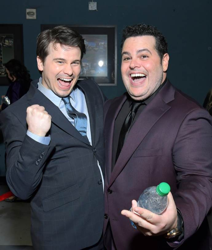 "HOLLYWOOD, CALIFORNIA - NOVEMBER 07: (L-R) Actors Jason Ritter and Josh Gad attend the world premiere of Disney's ""Frozen 2"" at Hollywood's Dolby Theatre on Thursday, November 7, 2019 in Hollywood, California. (Photo by Charley Gallay/Getty Images for Disney)"