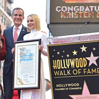 FROZEN 2's Kristen Bell & Idina Menzel Honored Today with Stars on Hollywood Walk of Fame