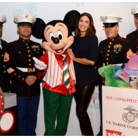 Mandy Moore Kicks-Off shopDisney.com   Disney Stores and Toys for Tots Hoilday Collaboration!