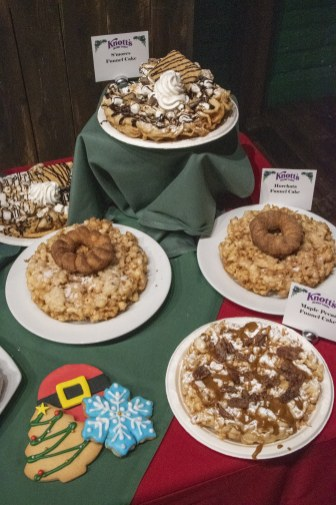 Various funnel cakes