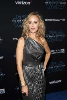 "HOLLYWOOD, CALIFORNIA - DECEMBER 16: Kim Raver arrives for the World Premiere of ""Star Wars: The Rise of Skywalker"", the highly anticipated conclusion of the Skywalker saga on December 16, 2019 in Hollywood, California. (Photo by Jesse Grant/Getty Images for Disney)"