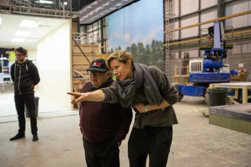 Danny DeVito and director Thea Sharrock on the set of THE ONE AND ONLY IVAN.