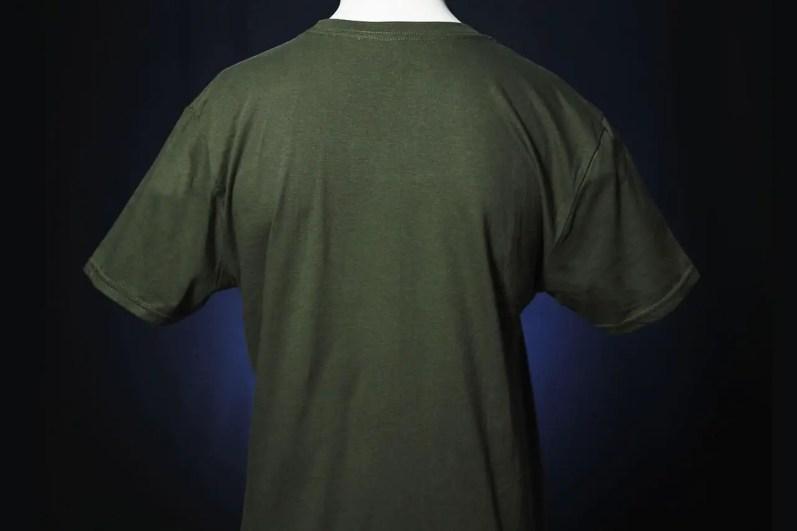 star-wars-celebration-2020-mando-shirt-back-3gdbdk