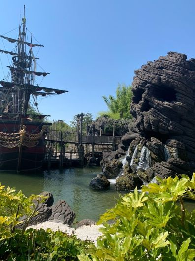 Pirate Ship and Skull Rock - Disneyland Paris