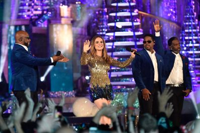 "Boyz II Men take on ""Let It Snow"" alongside 'December Baby"" singer/songwriter JoJo in 'The Wonderful World of Disney: Magical Holiday Celebration,' airing NOV. 26 (9:00-11:00 p.m. ET/PT) on ABC. This performance was previously recorded in 2016 in Magic Kingdom Park at Walt Disney World Resort in Lake Buena Vista, Fla. (Mark Ashman, photographer)"