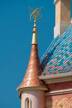 Castle of Magical Dreams Towers Hong Kong Disneyland-4