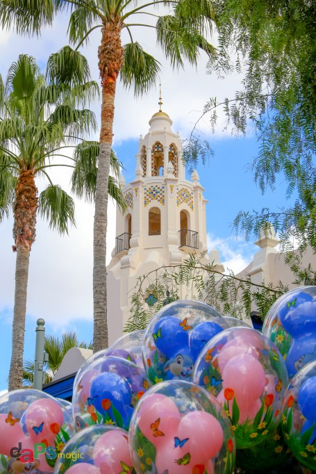 Carthay Circle Restaurant with balloons in the foreground