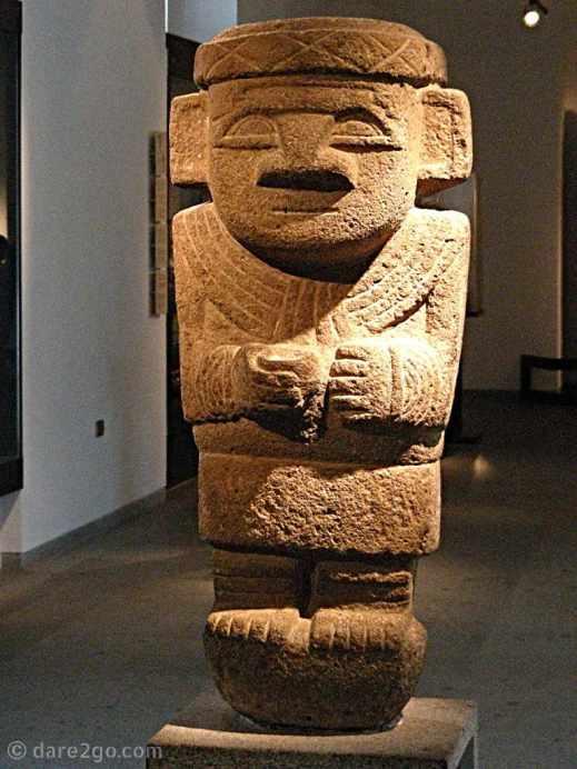 Stone statue - cultura San Agustín, Colombia, 1 - 500 AD