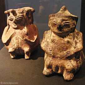 figuras, Arica, Chile, 1100 - 1350 AD, these were very small, maybe 6-7 cms tall