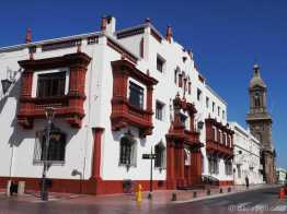 La Serena: Palacio de Justicia and cathedral