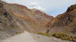 Driving lower Agua Negra pass: coloured layer upon coloured layer